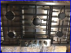 BOSCH 36 5 Burners Stainless Steel Gas Cooktop NGM8655UC Display With Defects