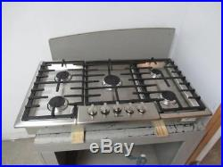 BOSCH 36 5 Sealed Burners Stainless Steel Natural Gas Cooktop NGM8655UC