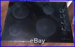 Frigidaire FFEC3024LB Black Ceramic 30-inch Electric Cooktop, Used