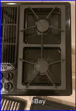 Jenn Air Black Downdraft Gas 30 Cooktop 4 Burners Grill & Griddle JGD8130ADB21