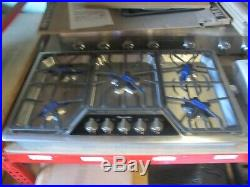 Thermador Masterpiece Series SGSX365FS 36 Inch Gas Cooktop Drop-In 5 Star Burner