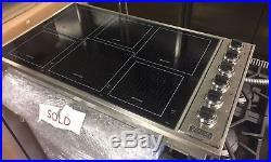 Viking 36 VICU1656BSB Professional Black 6 Burner Induction/Radiant Cooktop