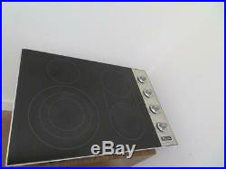 Viking Professional Serie 30 4 QuickCook Smoothtop Electric Cooktop VEC5304BSB