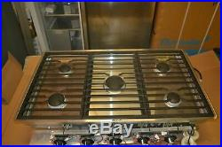 Wolf 36 Contemporary Gas Cooktop 5 Burners CG365C/S