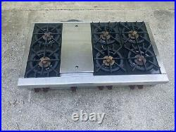 Wolf SRT486G 48 Inch Pro-Style Gas Rangetop with 6 Dual-Stacked Sealed Burners